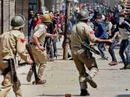 कश्मीर जल रहा, मोदी ढोल पीट रहे और पर्रिकर बल्ब बांट रहे : कांग्रेस