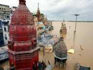बाढ़ से भयावह स्थिति: प्रभावित इलाकों से लोग कर रहे पलायन, दांव पर जिंदगी
