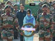 तस्वीरें : देश के 17 जांबाज शहीदों को अंतिम विदाई, रो पड़ा हर भारतीय