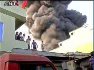 भोपाल: फैक्ट्री में लगी आग से मचा हड़कंप, काबू पाने की कोशिशें जारी