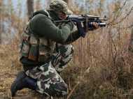 जम्मू-कश्मीर: सुरक्षाबलों ने घुसपैठ की कोशिश कर रहे एक आतंकी को मार गिराया