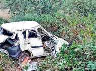 उत्तराखंड में भीषण दुर्घटना, खाई में गिरी कार, 8 की मौत, 9 घायल