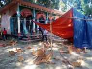 बांग्लादेश में हिंदुओं पर फिर हमला, मंदिरों में तोड़फोड़, मकान जलाए