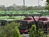 प्रदूषण कंट्रोल करने के लिए दिल्ली सरकार आधा कर सकती है बसों का किराया