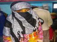 बिहार: मोबाइल पर ही ले लिए सात फेरे, कोर्ट में पहुंचा अनोखी शादी का मामला