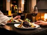 सरकार के फैसले से नाराज रेस्तरां एसोसिएशन कहा, सर्विस टैक्स नहीं देना तो ना खाएं खाना