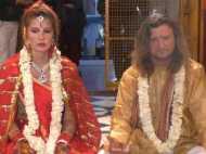 मथुरा: भारतीय संस्कृति का मुरीद हुआ विदेशी जोड़ा, 3 बच्चों के मां-बाप ने रचाई दुबारा शादी