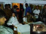 सुल्तानपुर: विधायक की गाड़ी पर हमले के बाद थाने में समर्थकों का हंगामा, पुलिस ने किया लाठीचार्ज