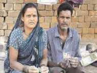 घर में टॉयलेट बनवाकर फंसा परिवार, सरकार ने नहीं दिया पैसा, बेटा हो गया कैद