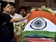 धक्का देने के बाद हुई थी जयललिता की मौत: AIADMK नेता ने लगाए 10 आरोप