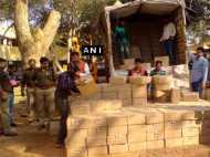 झांसी पुलिस की बड़ी कार्रवाई: ट्रक से एक करोड़ की शराब जब्त, दो गिरफ्तार