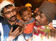 कानपुर हादसा: 12 घंटे बाद मलबे से जिंदा निकली 3 साल की बच्ची, सपा नेता के खिलाफ केस