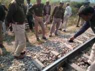 संभल में रेल पटरी को काटने की साजिश, टला बड़ा हादसा