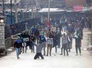 आर्मी चीफ के बयान के बाद श्रीनगर में लहराया गया पाकिस्तानी झंडा, सेना पर पथराव
