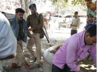 नशे में टल्ली ASI ने सरेआम नीतीश की शराबबंंदी का उड़ाया मजाक