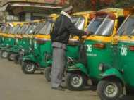 DU विवाद: दिल्ली में अब देशद्रोहियों को ऑटो में नहीं बैठाएंगे ऑटो चालक