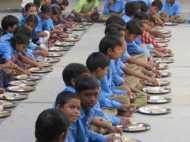 Mid day meal में मिली मरी हुई छिपकली, 87 बच्चे बीमार लेकिन खतरे से बाहर
