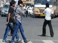 मोबाइल यूजर्स को बड़ा झटका, जल्द बंद हो सकती है FREE इनकमिंग कॉल सर्विस