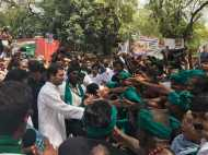 तमिलनाडु के किसानों से मिलने जंतर मंतर पहुंचे राहुल गांधी, कहा- किसानों की क्या है गलती?