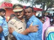 पुलिस का वो नेक काम जिसने मां-बाप की आंखों में ला दिए खुशी के आंसू, तस्वीरें बता रही हैं सच