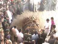 VIDEO: पंच तत्व में विलीन हुए शहीद कैप्टन आयुष यादव, चचेरे भाई ने दी मुखाग्नि