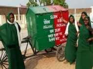 PICS: स्वच्छता के लिए कूड़े को ही बना डाला रोजगार, मुश्किलों को चुनौती देती ये महिलाएं