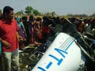 महाराष्ट्र में नदी किनारे गिरा हेलिकॉप्टर, दो की हुई मौत