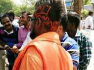 PICs: मोदी और योगी नाम का मांग में भरता है सिंदूर, ये है 'नागराज' का लेटेस्ट स्टाइल