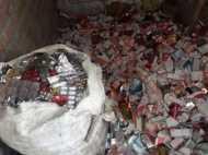 कबाड़ी दुकान में चल रही थी करोड़ों रुपए की नकली दवाई फैक्ट्री