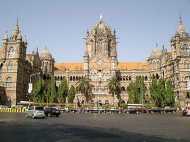 मुंबई रेलवे स्टेशन से बम पर चर्चा कर रहे 6 लोग गिरफ्तार