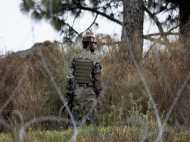 कश्मीर के नौगाम में आतंकी हमला, दो जवान शहीद, दो आतंकी ढेर