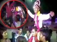 दर्दनाक VIDEO: दुल्हन के घर के सामने बारातियों संग डांस कर रहे दूल्हे की हार्ट अटैक से मौत