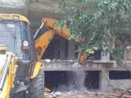 बेटे की अर्जी नहीं आई काम, LDA ने गायत्री प्रजापति की अवैध बिल्डिंग गिराई