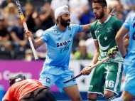 पाकिस्तान के खिलाफ मैच में आखिर क्यों भारतीय खिलाड़ियों ने बांधी  काली पट्टी