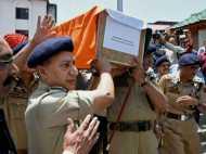 अपने ही लोगों के हाथों अब तक कश्मीर के 17 पुलिसकर्मी गंवा चुके हैं जान