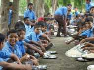 यूपी में 100 फीसदी बच्चों को स्कूल भेजने का योगी सरकार शुरू करेगी अभियान