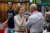 पेरिस में भरे बाजार एक चर्चित महिला सांसद को एक पुरुष ने कहा 'डर्टी बोबो', जानिए क्यों?