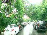 दिल्ली एनसीआर में तेज बारिश से सड़कों पर लगा भयंकर जाम