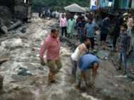 जम्मू के डोडा में बादल फटने से 6 लोगों की मौत, मलबे में दबे हैं कई लोग