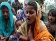 VIDEO: गांव की खुशहाली के लिए दो किशोरियों ने लिया प्रण, सब टकटकी लगाए देख रहे हैं घड़ी