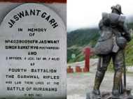 वो शहीद हैं, पर जिंदा हैं, रोज प्रेस होती है वर्दी, अकेले मारे थे 300 चीनी, 72 घंटे लड़ी थी जंग