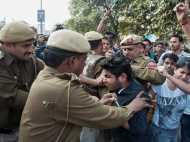रामजस कॉलेज विवाद: पुलिस ने सौंपी रिपोर्ट,  5 प्रोफेसरों ने लगाए थे आजादी के नारे!