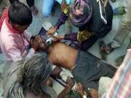 VIDEO: करंट लगे शख्स को जिंदा करने की देखिए LIVE कोशिश...