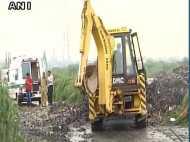 गाजीपुर में कचरे का वो पहाड़, जो सड़क पर मौत बनकर गिरा