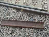 एक साथ पलटतीं कई ट्रेनें! दिख गई टूटी पटरी वर्ना होता बड़ा हादसा