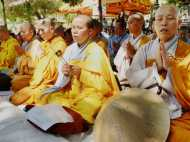 गुजरात चुनाव से पहले 300 से अधिक दलितों ने अपनाया बौद्ध धर्म