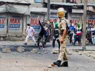 जम्मू-कश्मीर: प्रदर्शनकारियों पर सरकार करेगी ये कार्रवाई, राज्यपाल ने दी हरी झंडी