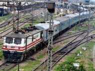बड़े पैमाने पर डेटा और 'इंटेलिजेंस' से आपके सफर को सेफ बनाएगा रेलवे