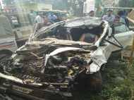 सहारनपुर: बस से जा भिड़ी कार, एक ही परिवार के 4 लोग और एक टूरिस्ट की मौत