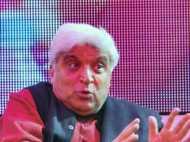 जावेद अख्तर का PM मोदी पर तंज- 'खुदा से बेहतर थे मनमोहन'
